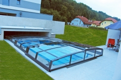 pool-enclosure-corona-in-the-house