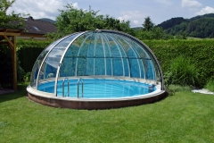 pool-enclosure-orient-opened